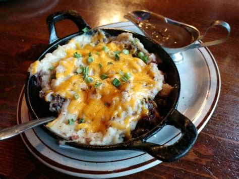 cottage pie gravy oddfellas pub eatery opens in tacoma s westgate area