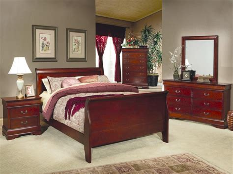 Homey Design Bedroom Set by Stunning Cherry Wood Bedroom Furniture Greenvirals Style