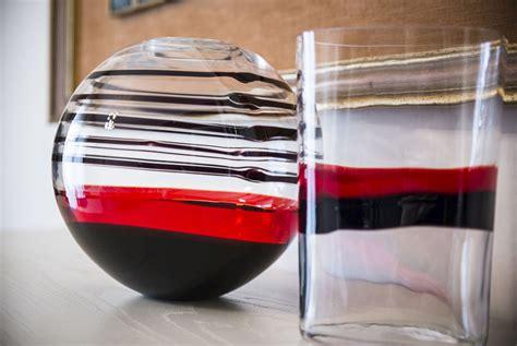 vaso rosso carlo vaso sfera vetro di murano nero rosso