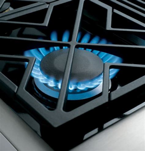 zdpnpss monogram  dual fuel pro style range   burners natural gas stainless steel