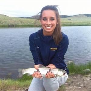 Cute Girls Fishing (37 pics)