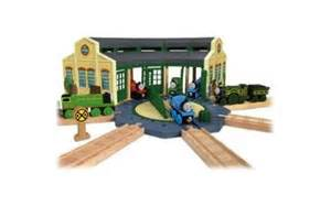 thomas the tank engine wooden railway tidmouth sheds with