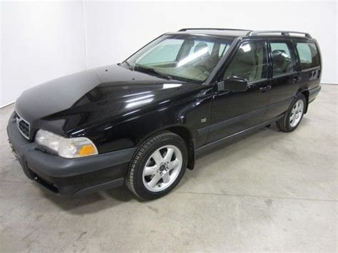 purchase   volvo  xc inline  awd colorado