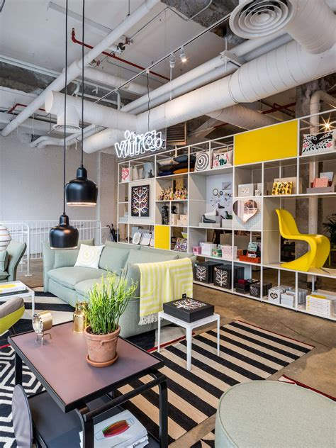 Vitra Museum Shop by Vitra Opens A New Pop Up Shop And Garage Office New York