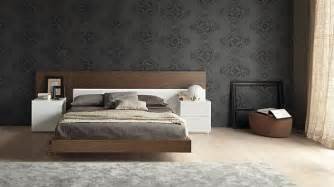 tapete schlafzimmer beige 30 stylish floating bed design ideas for the contemporary home