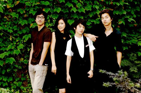 She works many jobs to pay off debts and even gave up her feminine image. Best Korean Drama I've Ever Watch ~ Garten Paradise