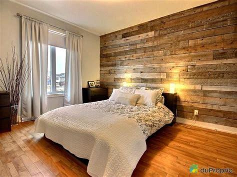 mur de chambre mur de bois déco chambres pots et étages