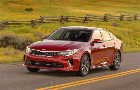 Who Makes Kia Optima by 16 Best Family Cars For 2016 From Kelley Blue Book