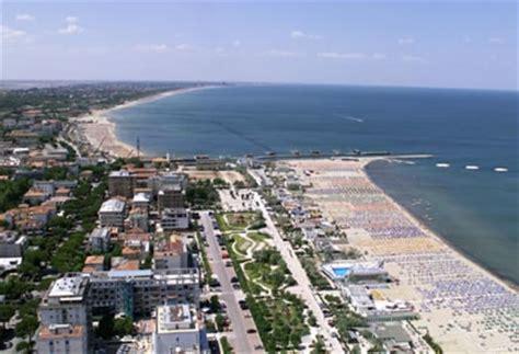 foto veduta aerea della spiaggia  cesenatico