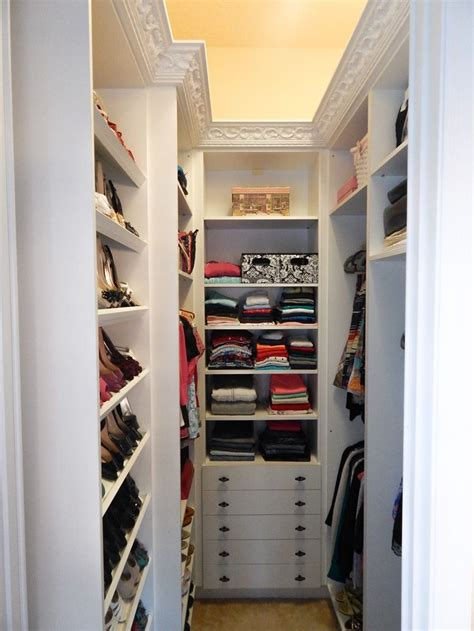 idea for small walk in closet if this is the shape i