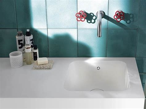 Corian® Washbasin With Integrated Countertop Corian
