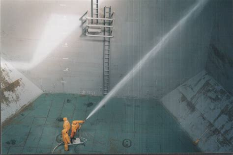 underwater ship tank cleaning hull cleaning services