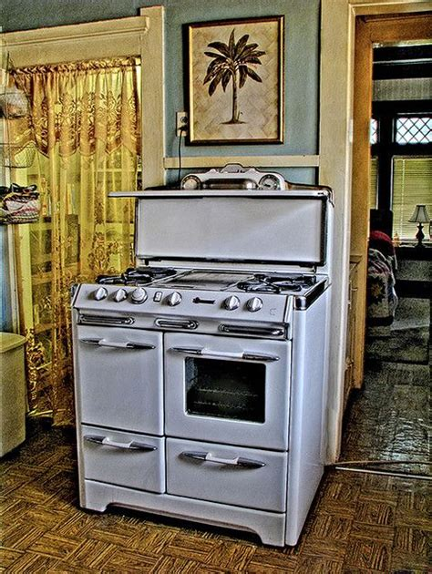 country kitchen pictures gallery 1948 o keefe and merritt kitchens stove and vintage stoves 6120