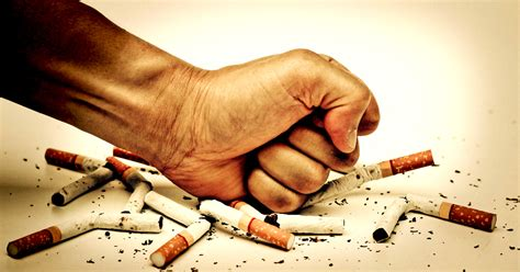 How Smoking Harms Your Eyes