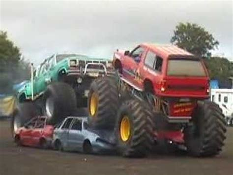 monster truck show video bigfoot monster trucks show youtube