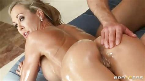 Gorgeous Milf Gets An Amazing Massage Porndroidscom