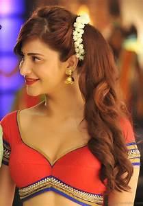 28 Elegant Shruti Hassan Hairstyles