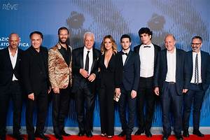Série The First : suburra the first italian tv series produced by netflix the italian r ve ~ Maxctalentgroup.com Avis de Voitures