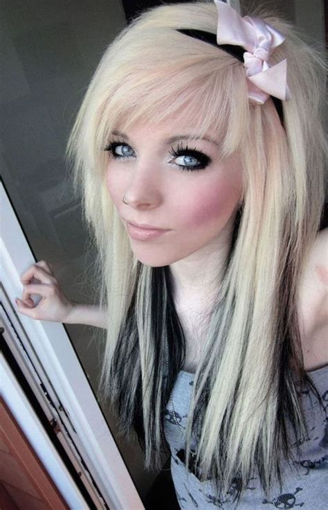 10 Popular Emo Hairstyles For Girls Facehairstylistcom