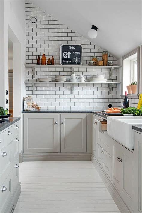 modele cuisine grise couleur mur cuisine mur de briques modele de cuisine