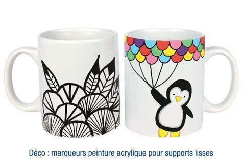 mug en porcelaine blanche ceramiques  doigts