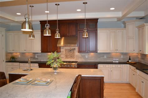 picture of kitchen cabinets painted glazed with cherry range area traditional 4189