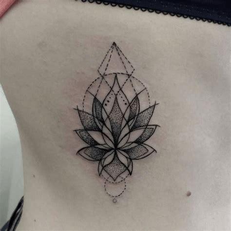 tatouage lotus significations  illustrations