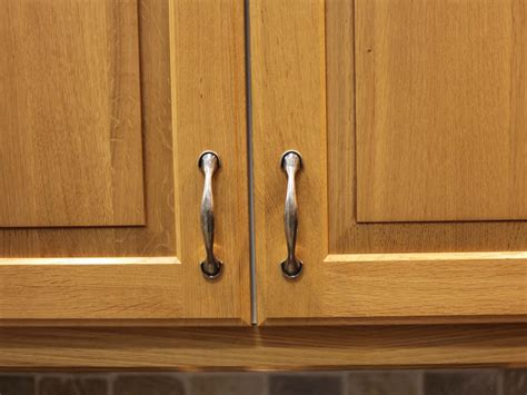 kitchen cabinet hardware ideas kitchen cabinet handles pictures options tips ideas