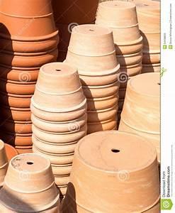 Pot De Fleur En Terre Cuite : pots de fleur de terre cuite image stock image 54438833 ~ Dailycaller-alerts.com Idées de Décoration
