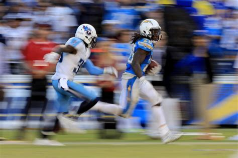 Chargers Rb Melvin Gordon Ran All Over The Titans And
