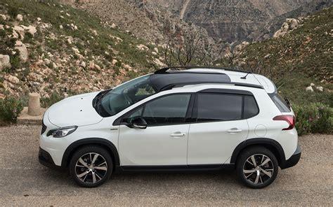 Comparison Peugeot 2008 Gt Line 2017 Vs Dacia Duster