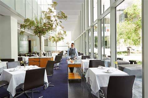 moma restaurant the modern moma restaurant to adopt no tipping policy next monthartnews
