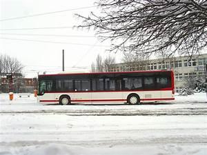 Bus Erfurt Berlin : stadtbus der linie 9 an der endstelle nordbahnhof erfurt 2 nahverkehr deutschland ~ Markanthonyermac.com Haus und Dekorationen