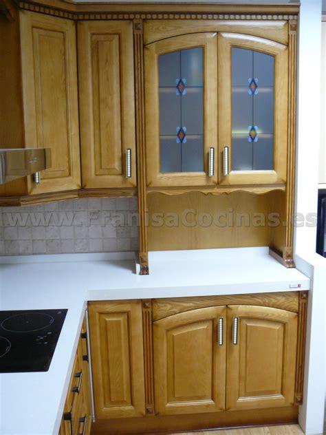muebles de cocina de madera nuevos de exposicion franisa