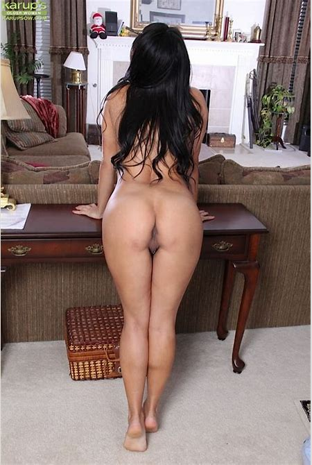 Curvy, Busty Latina Office Girl Strips, Pleasures Herself On An Office Table. - YOUX.XXX