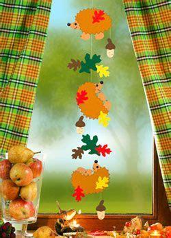 Fensterdeko Herbst Kindergarten by Fensterbild Igelkette Herbstbasteln Herbst
