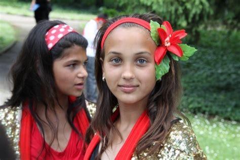 bulgarian roma children out flowers smile amidst ethnic tensions novinite sofia
