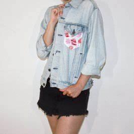 vetements enfant archives pop couture With affiche chambre bébé avec veste jean fleurs