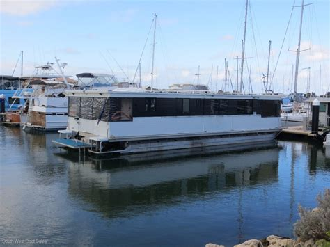 52ft Boat by 52ft Aluminium Penthouse Houseboat House Boats Boats