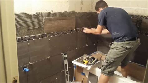 carrelage sol pour cuisine comment carreler les murs d 39 une salle de bains