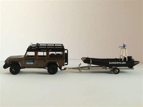 boot mit trailer bundespolizei boot mit motor und aufbau auf trailer polizeimodelle shop de