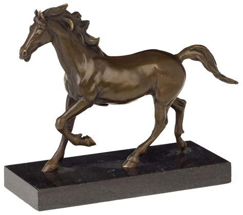 bronzeskulptur im antik stil pferd bronze figur skulptur