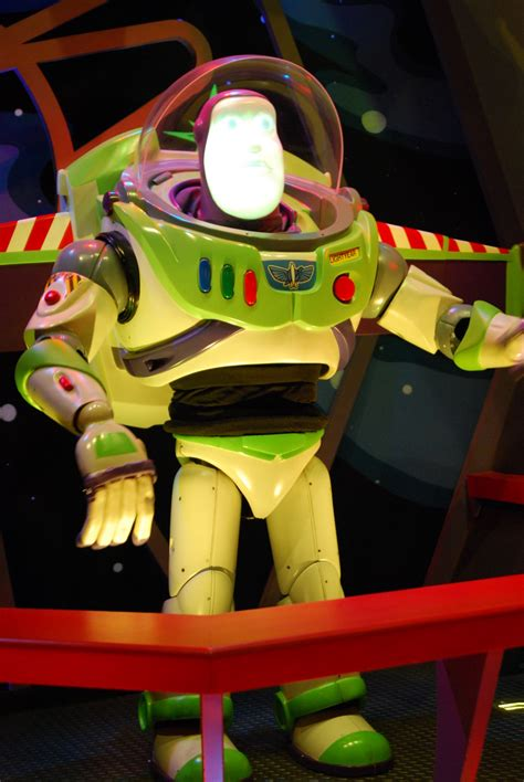 photos from the parks buzz lightyear s space ranger spin