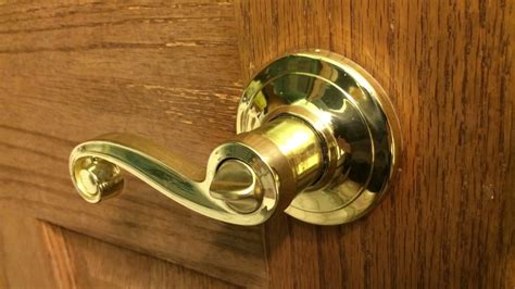 26452 how to unlock a bedroom door how to unlock a twist lock door knob