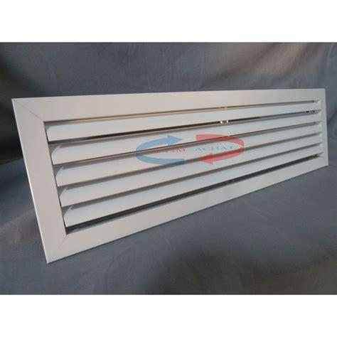 bouche aeration cuisine grille de soufflage plafond ustensiles de cuisine