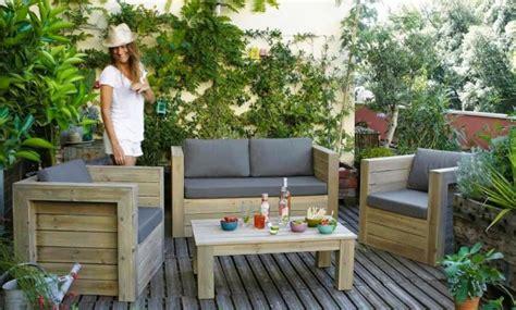 mini salon de jardin pour petit espace joli place