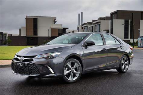 Review  2016 Toyota Camry Review