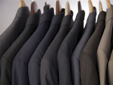How to buy a suit for your wedding