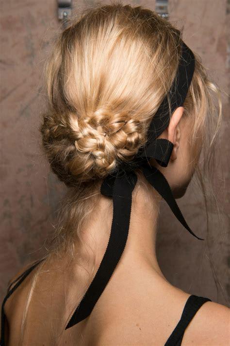 coiffure mariage chignon bas tresse 1001 variantes de coiffure mariage invit 233 e chic et