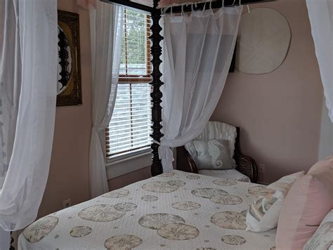 A(z) surf song bed & breakfast helyre vonatkozó : Surf Song Bed and Breakfast in Tybee Island, Georgia - 3 Sand Dollar Room